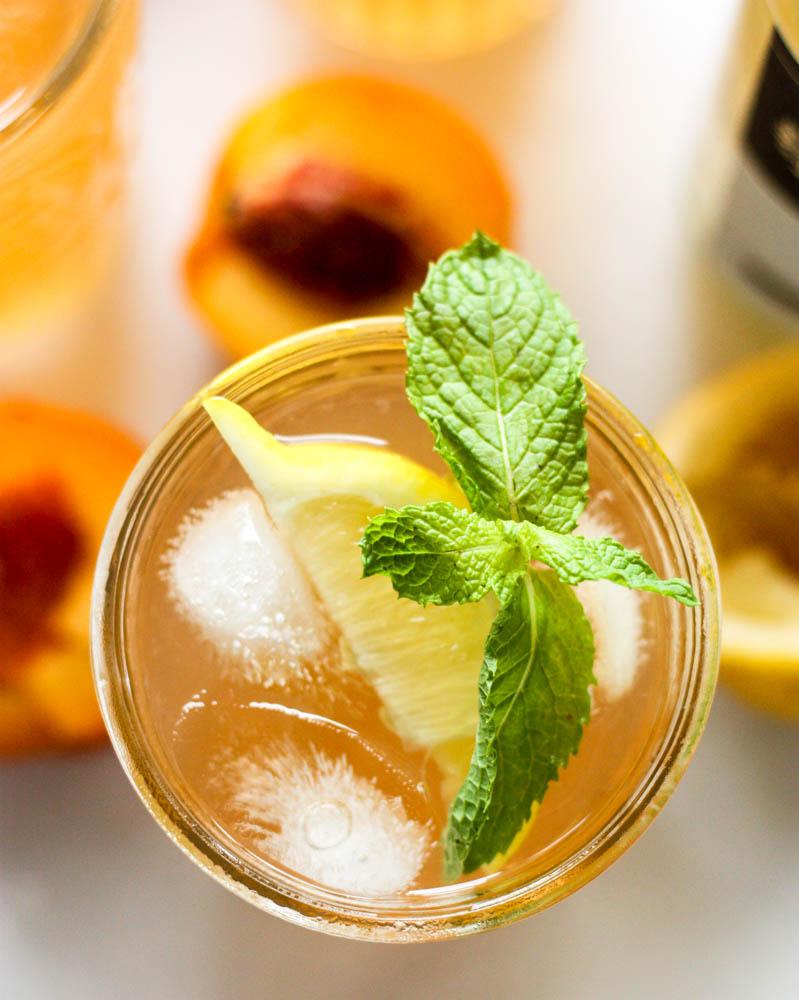 Peach Green Tea Lemonade: the perfect summer drink!