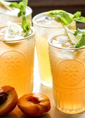 Peach Green Tea Lemonade: the perfect summer drink!